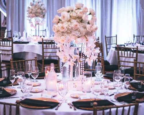 banquets-candlelights-chairs-1616113