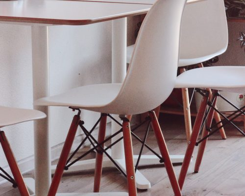 chairs-contemporary-empty-930390